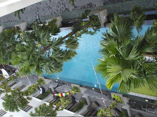 Aston Kuta Hotel & Residence: piscine vue de notre chambre