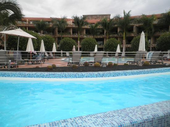 H10 Playa Meloneras Palace : piscina