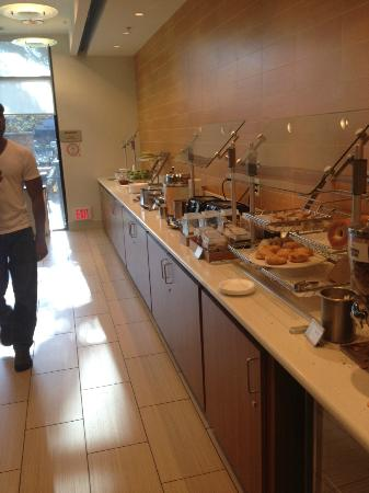 SpringHill Suites Irvine John Wayne Airport/Orange County: Breakfast