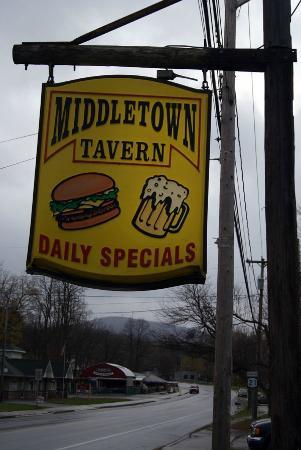 Middletown Tavern: sign