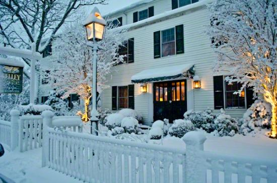 Kelley House: Winter Wonderland