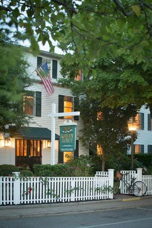 Edgartown, MA: Garden House