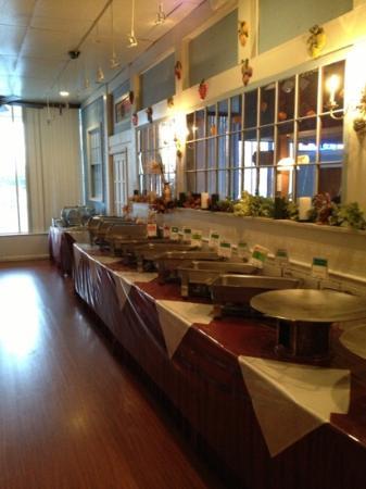 Sapphire Restaurant & Lounge: lunch buffet...