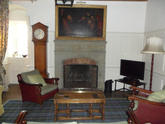 Barcaldine Castle: Sitting room