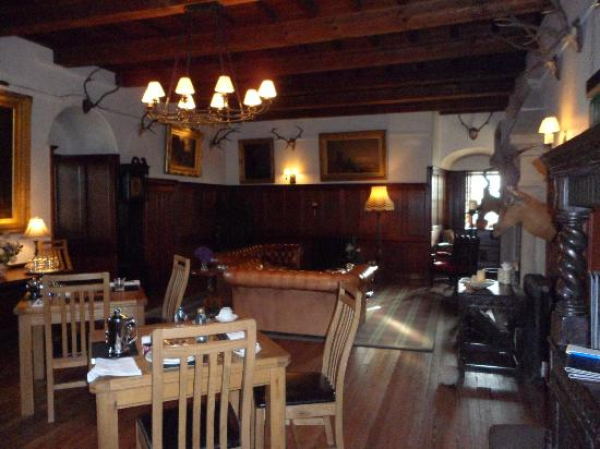 Barcaldine Castle: Breakfast room