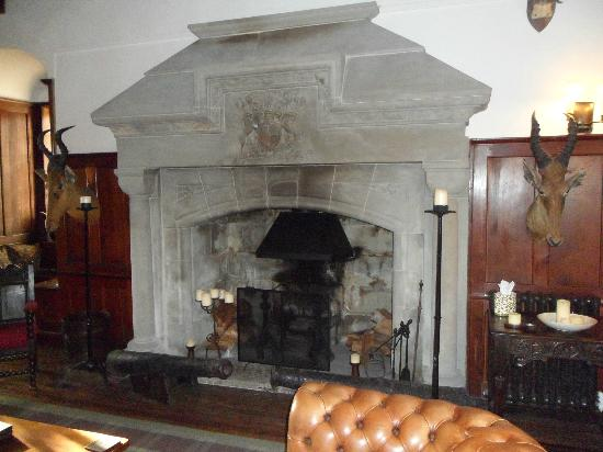 Barcaldine Castle: Dining room fire