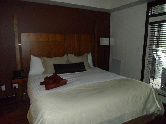 Copper Point Resort: King bed