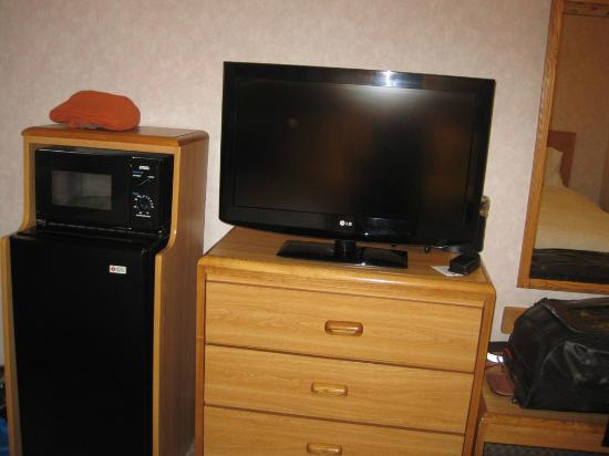 Hampton Inn Bakersfield - Central: TV