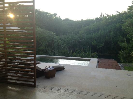 Rosewood Mayakoba: Plunge/lounge area from LAGOON VIEW SUITE