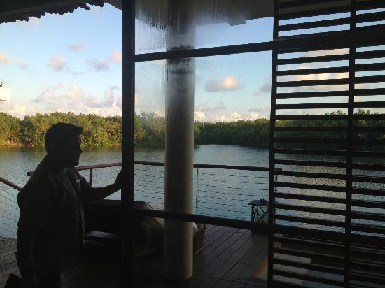 Rosewood Mayakoba: OVERWATER LAGOON SUITE view