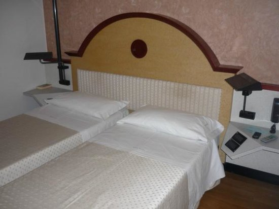 BEST WESTERN Hotel Solaf: Zimmer