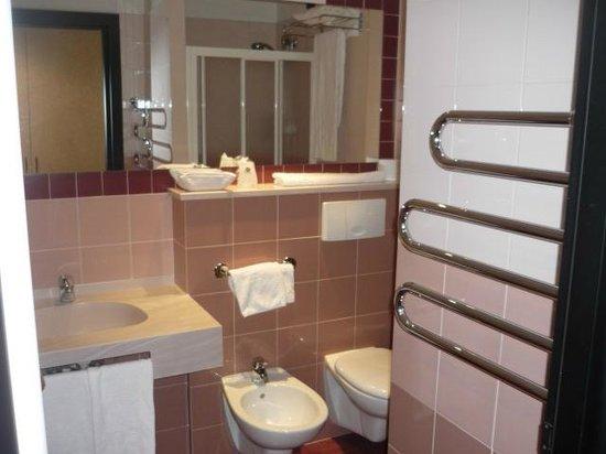 BEST WESTERN Hotel Solaf : Bad