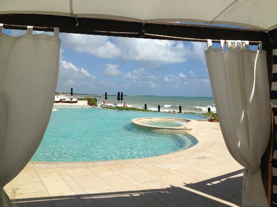 Rosewood Mayakoba: Poolside cabana