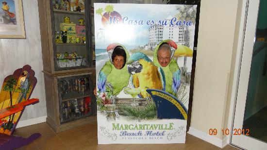 Margaritaville Beach Hotel: En el ingreso al hotel