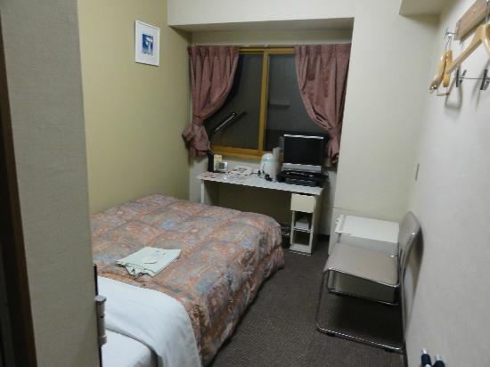 Hotel Econo Nagoya Sakae : 狭いな~