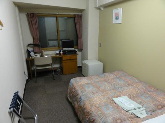 Hotel Econo Nagoya Sakae : 2泊目はやや広い部屋