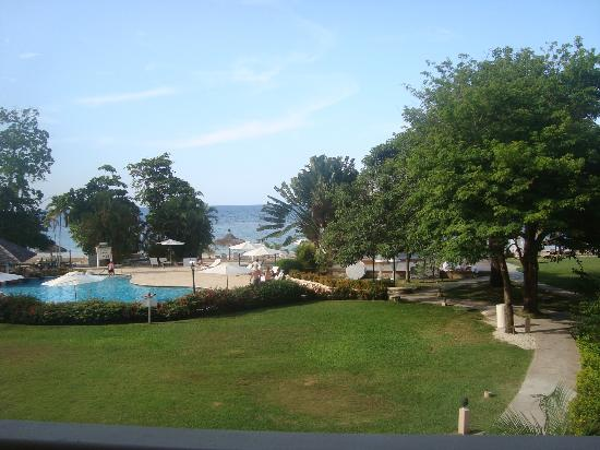 Couples Sans Souci: View of the Pool
