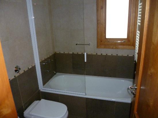 Hosteria El Coiron: baño 
