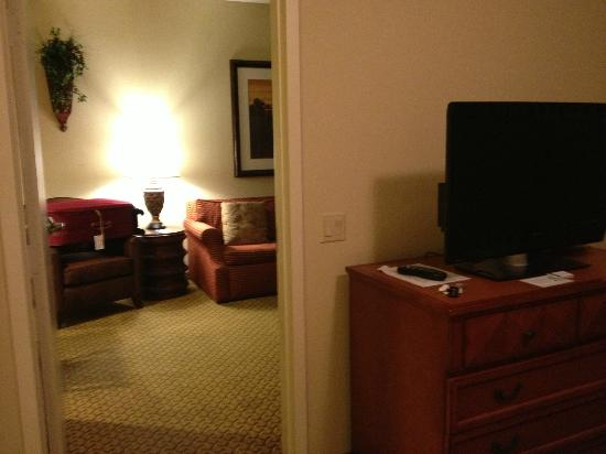 Homewood Suites Miami-Airport West: Quarto e Sala