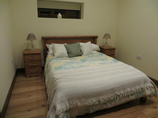 Iffin Farmhouse: Bedroom - Barn 3