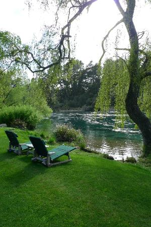Huka Lodge: View of Waikato River