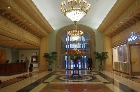 Fairmont Hotel Vancouver: Front Lobby