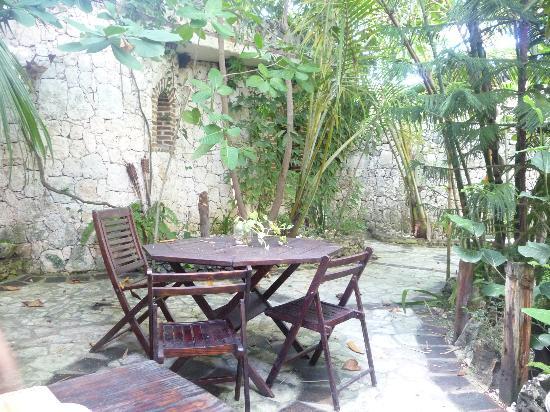 Guesthouse Las Piedras: Mesas desayuno