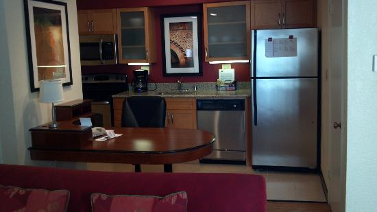 Residence Inn by Marriott Atlanta Buckhead : Renovated Kitchen