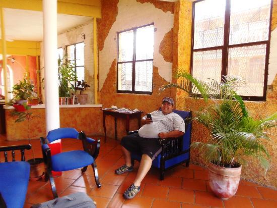 Hotel La Dolce Vita : En La Recepción