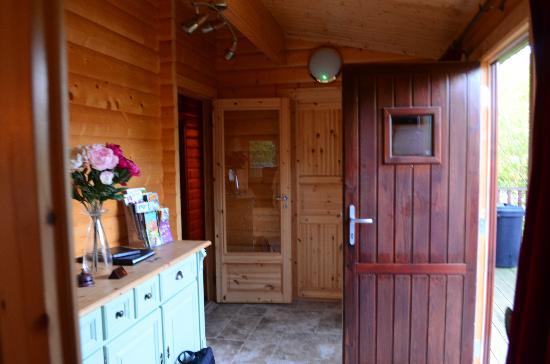 Cherbridge Cottages: Entry Area