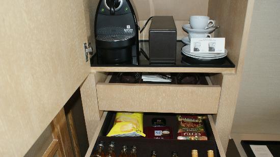 Park Hyatt Beijing: Coffee and bar