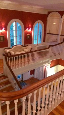 Rosemont Manor : Landing in main stairs
