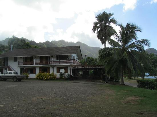 Nuku Hiva, Fransk Polynesien: Pension seen from the parking area
