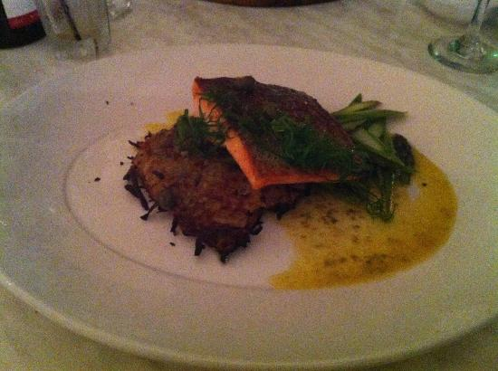 Amazing seafood crispy skinned ocean trout picture of - Cucina al mare ...