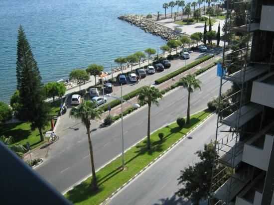 Pier Beach Aparthotel : The Rocks