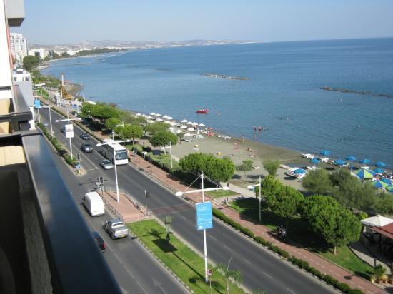Pier Beach Aparthotel: Limassol Bay 2