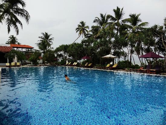 AVANI Bentota Resort & Spa: One of the two infinity pools