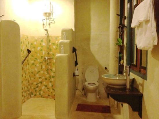 Phra Nang Lanta: Shower room