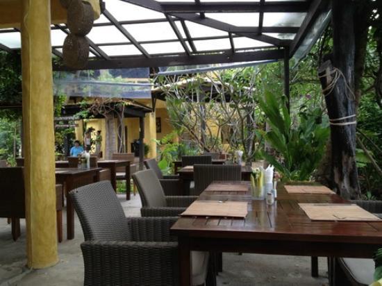 Phra Nang Lanta: Dining area