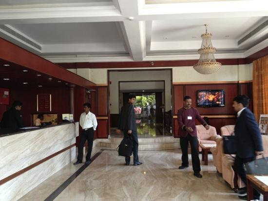 Hotel Rathna Residency & Vista Rooms : la hall