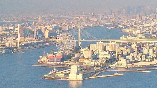 Osaka Prefectural Government Sakishima Building Observatory: 展望台から天保山