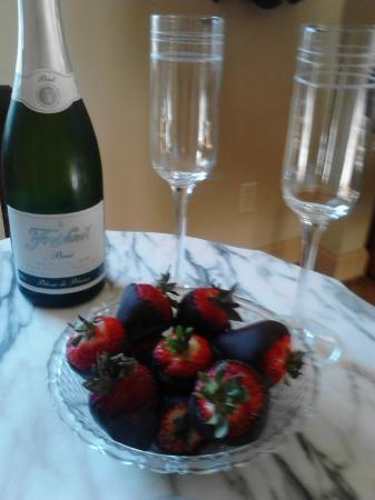 """Meadowbrook Farm Bed and Breakfast: Make sure and get the """"romantic getaway"""" package"""