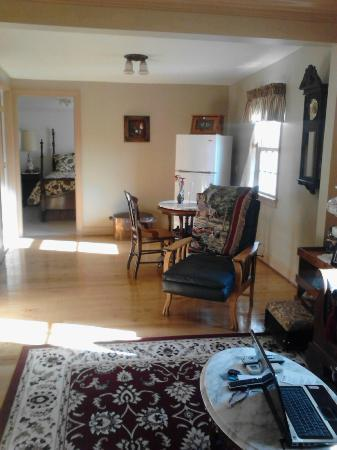 Meadowbrook Farm Bed and Breakfast: Very nicely furnished suite