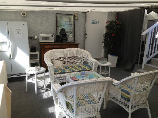 Seacrest Inn: Lounge area