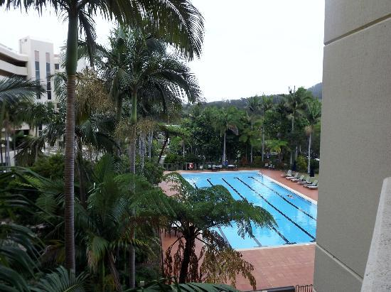 Novotel Coffs Harbour Pacific Bay Resort: 1st pool