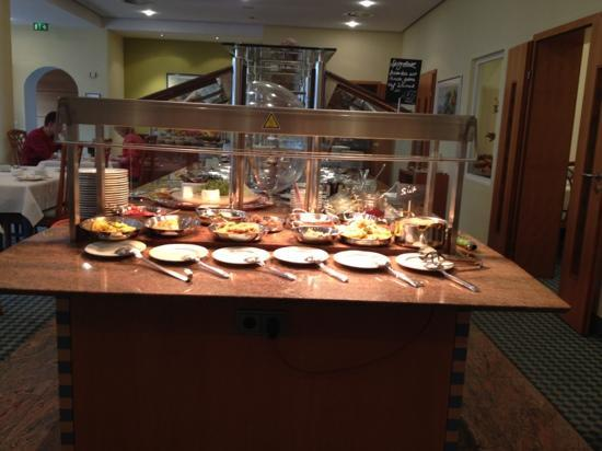 Kronen Hotel Stuttgart: breakfast 2