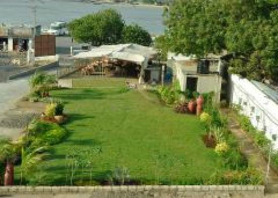 Hotel Apaar: Open Air Restaurant and Party Plot