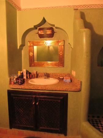Riad Tamarrakecht: My bathroom