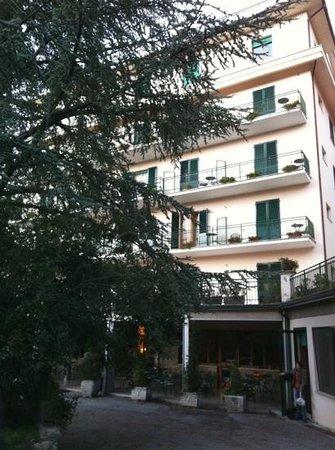 Hotel Paradiso