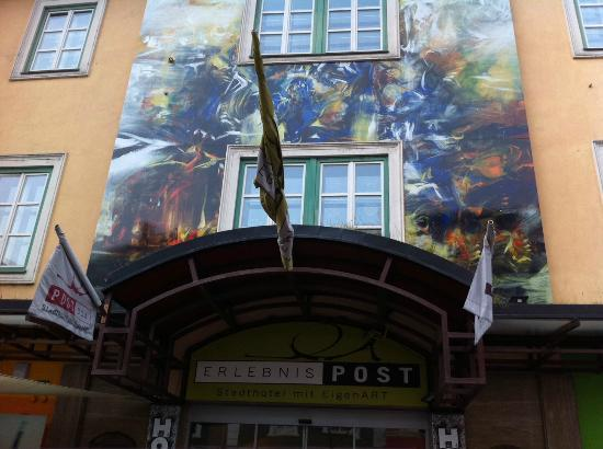 Erlebnis Post Stadthotel -  Hotel mit EigenART: L'entrée de l'hôtel